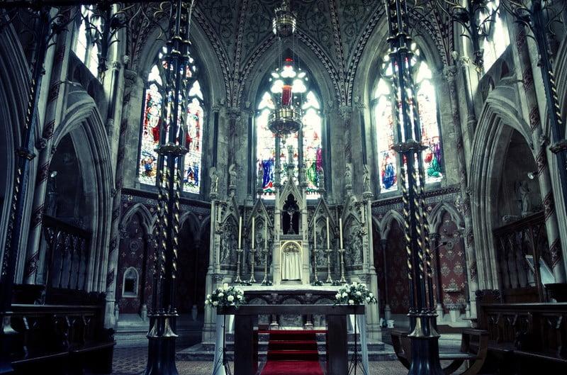 教会の葬儀の時お香典や持ち物はどうする?